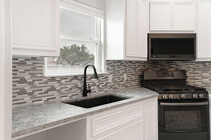 Kitchen sink & stove